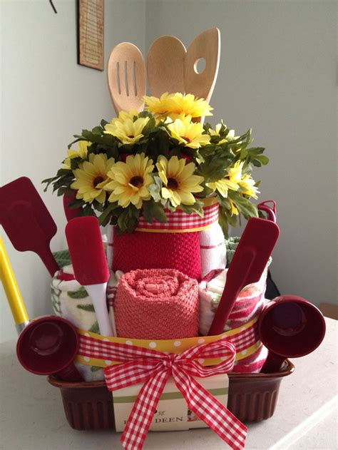 kitchen gift ideas for 9 best images about wedding shower gift on