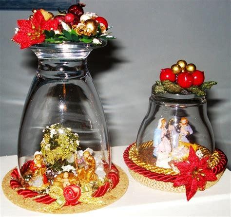Bicchieri Decorati Per Natale by Mini Presepi Collocati Sotto Bicchieri Di Vetro Presepi