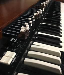 Hammond Organ Model 142122 User Manual