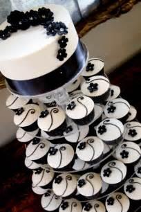 wedding cake and cupcakes white black wedding cupcakes ipunya