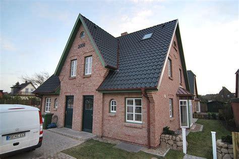 Haus Roter Klinker by Fassade Klinker Rot Sprossenfenster Sylt Garden