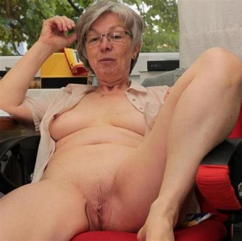 Mature Porn Hot Amateur Women With Glasses Not Totally Nude