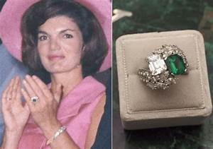 The engagement rings of jackie kennedy onassis for Jackie onassis wedding ring
