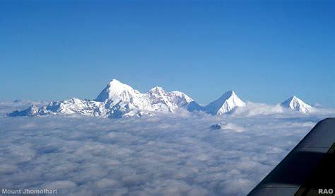 RAOnline Bhutan: Bhutan Photo Galleries - Drukair flight ...