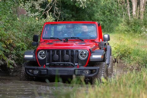 jeep gladiator review   road lifestyle pickup truck driven parkers