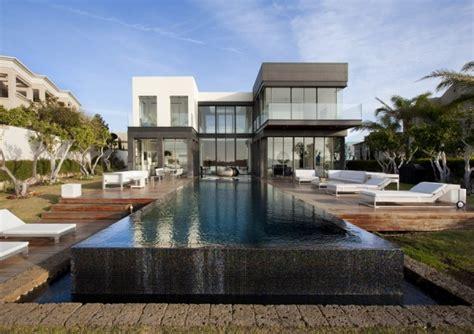 Moderne Häuser Mit Pool by Modern Luxury Villas Designed By Gal Marom Architects