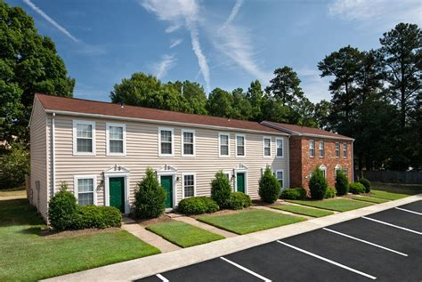 Photos And Video Of Woodbriar Apartments In Richmond Va