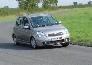 Toyota Yaris Sport : toyota yaris t sport 2001 2005 photos parkers ~ Medecine-chirurgie-esthetiques.com Avis de Voitures