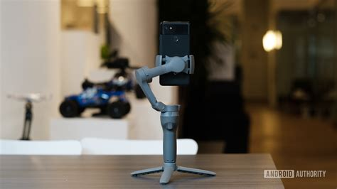 dji osmo mobile  gimbal  foldable usb  powered android authority