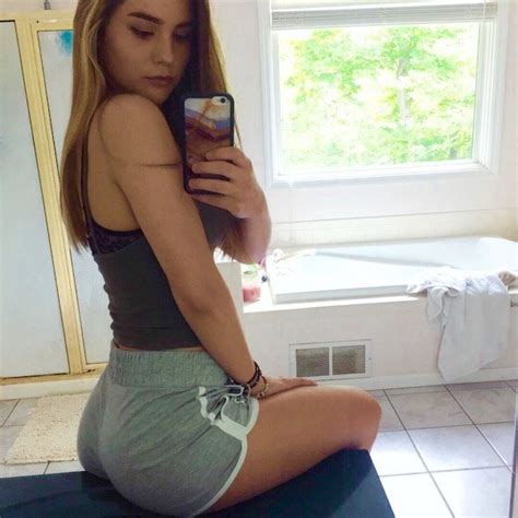 Hot Girls Taking Selfies Barnorama