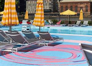 Pop Up Pool : the colorful pop up pool at roosevelt island 39 s manhattan park pool club is back for 2017 ~ Orissabook.com Haus und Dekorationen