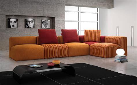 Divano-moderno-in-tessuto-samoa-divani-mobilificio-padova