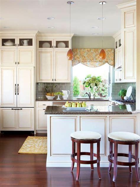 tile backsplashes for kitchens 136 best images about cabinet hardware on 6125