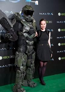 Halo Forward Unto Dawn39s Anna Popplewell Hanging With