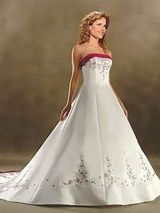 Brautkleid Mit Farbe : ausgefallene brautkleider f r eine einzigartige hochzeit ~ Frokenaadalensverden.com Haus und Dekorationen