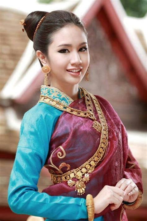 Laos traditional outfit | Laos traditional style | Pinterest | Style Inspiration and Laos