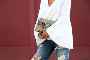 Ripped jeans white blouse and my Gucci Dionysus bag - FashionHippieLoves