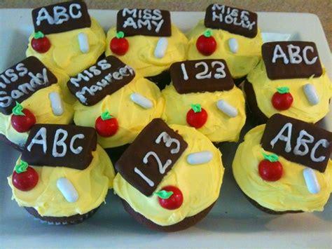 school days cupcakes for preschool graduation pretzel m 824 | 97e6a9808221c1b7706362a7e1744af0 good n plenty preschool food
