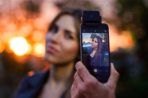 iphone flash powerful new iblazr wireless iphone flash coming soon