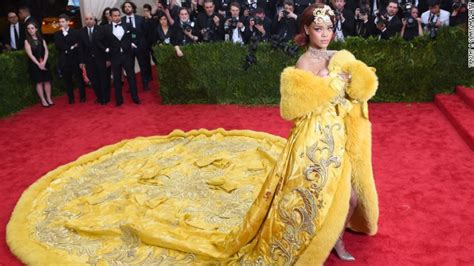 Spinning Gold Chinese Couturier Guo Pei Takes Paris Cnncom