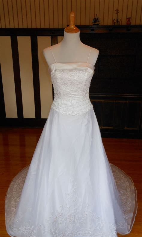 Davids Bridal 99 Size 6 New Un Altered Wedding Dresses