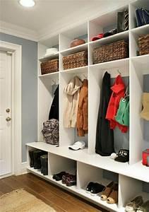 meuble d39entree portemanteau et vide poches en 55 idees With meuble rangement entree couloir 2 dressing amenagement placard et meuble de rangement