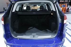 Ford Escape Coffre : nouveau ford kuga ford kuga nouveau 4x2 et suv 5 portes ~ Melissatoandfro.com Idées de Décoration