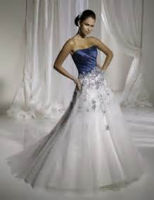brautkleid ausgefallen simple white and blue wedding dresses