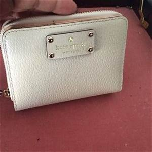 kate spade dot zipper wallet on Poshmark