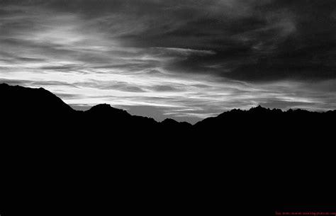 photo bébé noir et blanc les arcs 1800 233 de soleil hivernal dans les alpes
