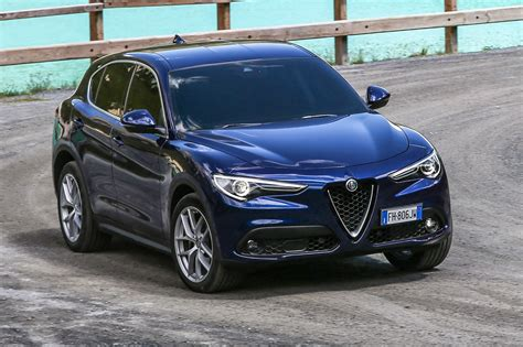 siege auto alfa romeo alfa romeo stelvio 2017 review by car magazine