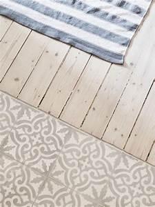 Holz Auf Fliesen Kleben : die 25 besten ideen zu bad fliesen auf pinterest graue badezimmerfliesen warmes grau und ~ Markanthonyermac.com Haus und Dekorationen