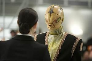 "New and Retro Aliens Invade ""Men In Black 3"" | Showbiz ..."