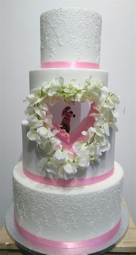 heart cut  wedding cake unique wedding cakes
