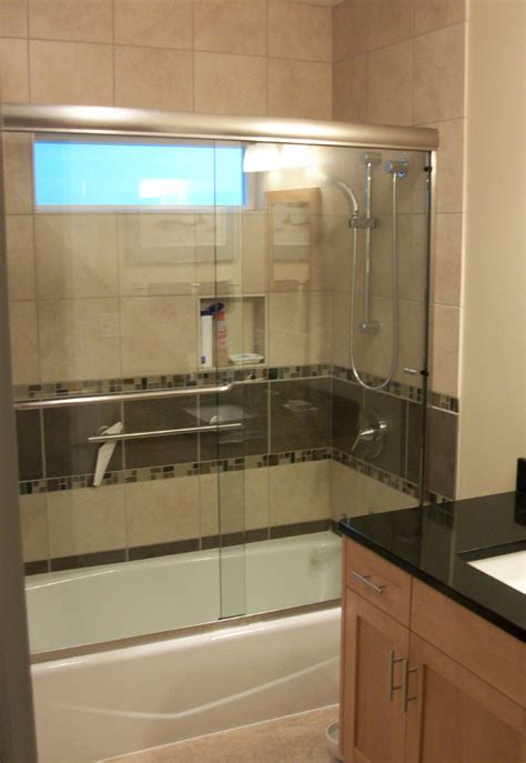 remodeling  small bathroom  rose construction