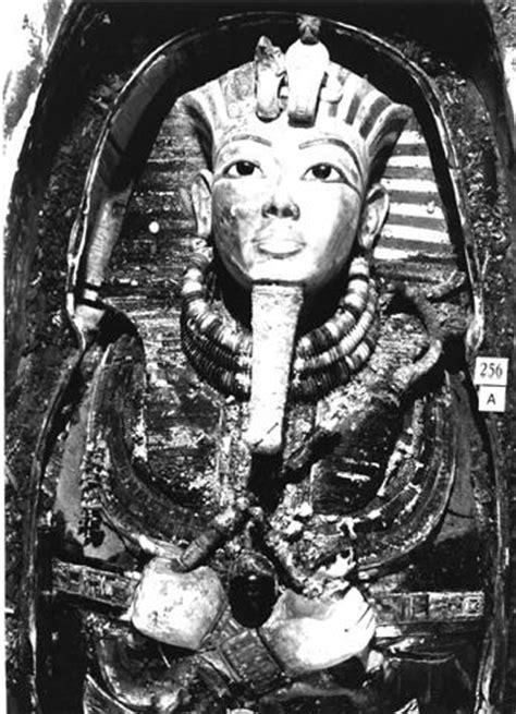 scanning helps restore king tutankhamuns broken beard