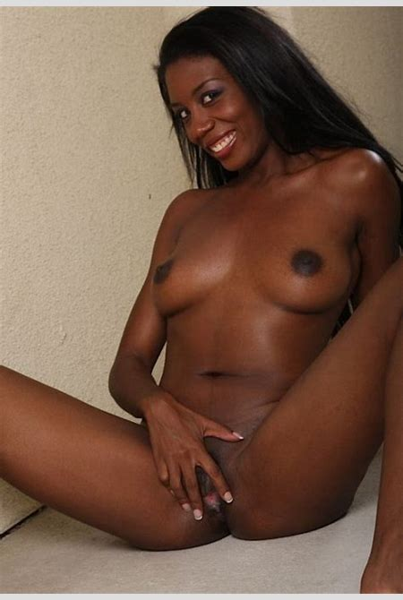 Beautiful naked ebony girl spreads her delicious pussy !! | Ebony Sex Pictures