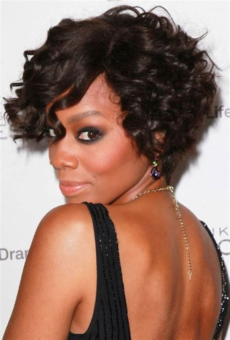 short curly hairstyles for round faces for african