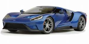 2017 Ford GT - blue 1:18 Scale Diecast Model by Maisto