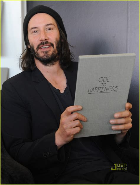 keanu reeves ode to happiness book signing 2553949 keanu reeves just jared