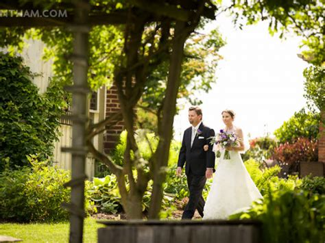 unique wedding venues garden settings in the akron canton