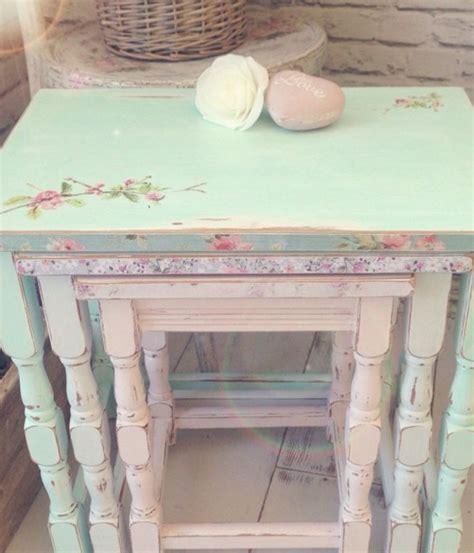 decoupage mobili legno per il decoupage sui mobili in legno scegli colori brillanti