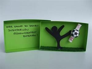 Geschenke Verpacken Lustig : geschenkbox fu ball geldgeschenk von geld schmuck gutschein co originell verpackt auf ~ Frokenaadalensverden.com Haus und Dekorationen