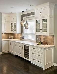 Best 25 kitchen cabinet molding ideas on pinterest for Kitchen colors with white cabinets with framed art wall arrangement