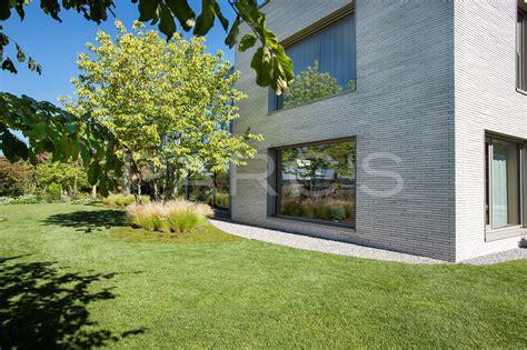 Grosszügige Gartenanlage Mit Schwimmteich Gartengestaltung
