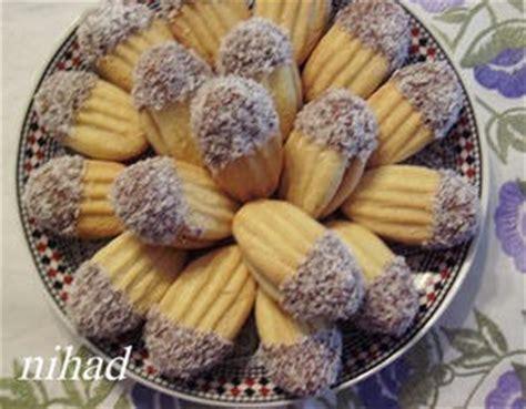 cuisine choumicha arabe petits fours au beurre avec fourchette choumicha