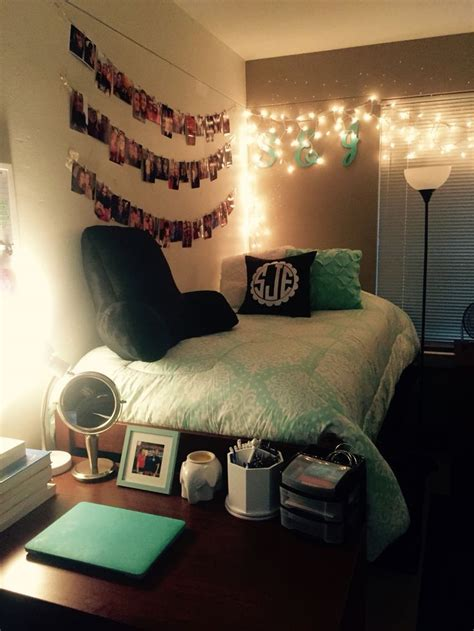 Cute College Bedroom Design