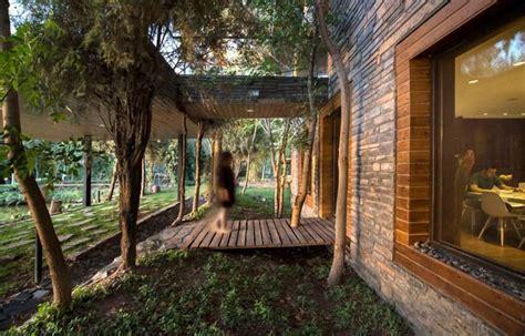 modern hooba iran homes villa archdaily babak designs cube karaj nature latest alborz creates surroundings province relationship strong its pool