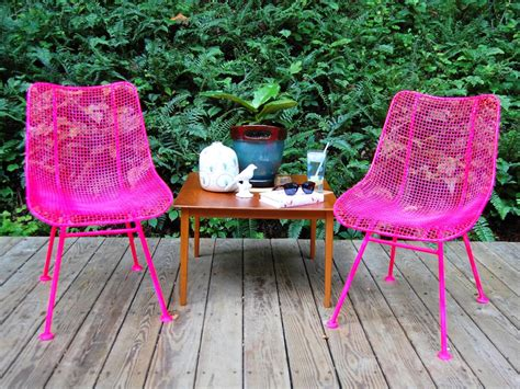 How To Paint Metal Chairs  Howtos Diy