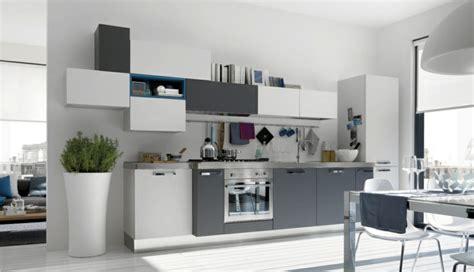 modele de cuisine simple la cuisine grise plutôt oui ou plutôt non